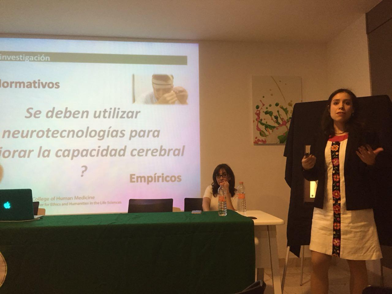 Cabrera presenting in Mexico City